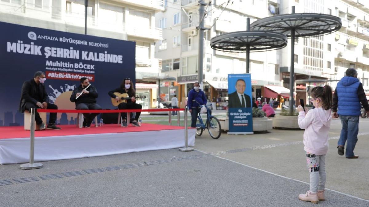Antalya müzikle renklendi