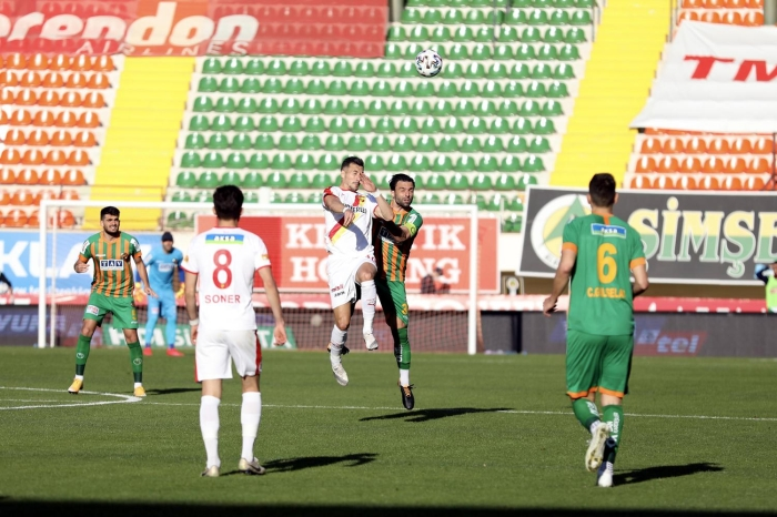 Alanyaspor - Göztepe maçında kazanan çıkmadı! 1-1