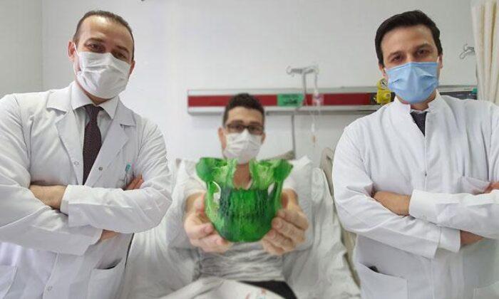 Çenesindeki tümörden sanal ameliyatla kurtuldu