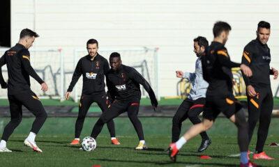 Galatasaray'da Arda Turan korkuttu