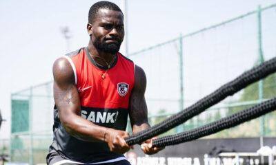 Gaziantep FK'da Aziz Tetteh'e af çıktı