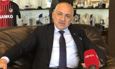 Mehmet Büyükekşi'den hakem eleştirisi