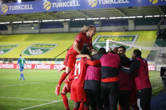 Rizespor-Beşiktaş maçında rekorları altüst eden performans! Ghezzal ve N'Koudou...