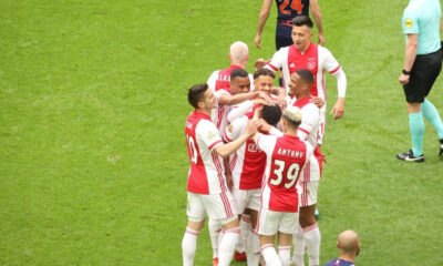 Ajax bitime 3 hafta kala resmen şampiyon