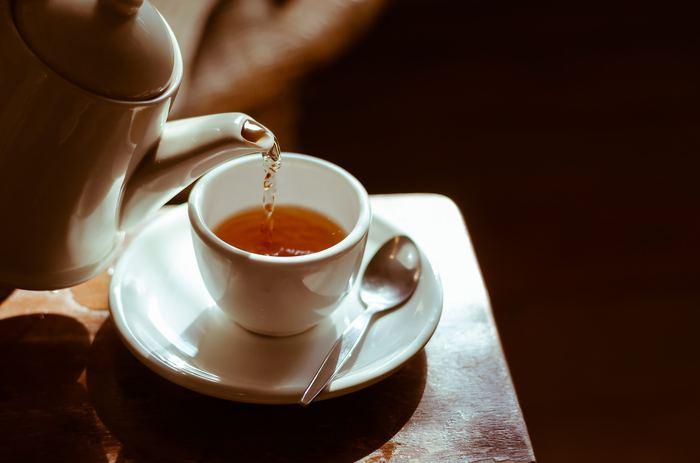 Çayı bu şekilde demlemek kanser yapıyor!