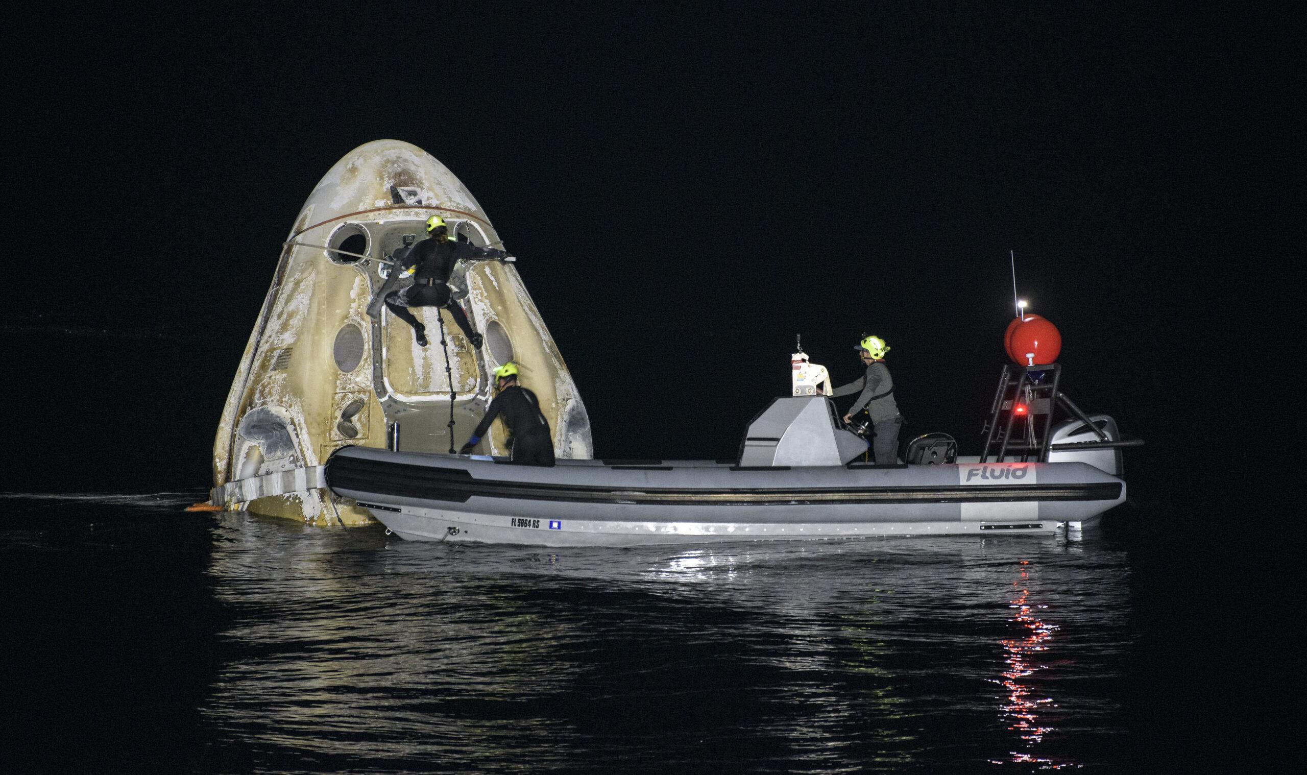 Crew-1 görevini tamamlayan NASA ve SpaceX astronotları Dünya'ya döndü