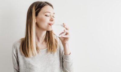 Gün boyu susuz kalmamak için neler tüketilmeli? Su deposu 8 besin