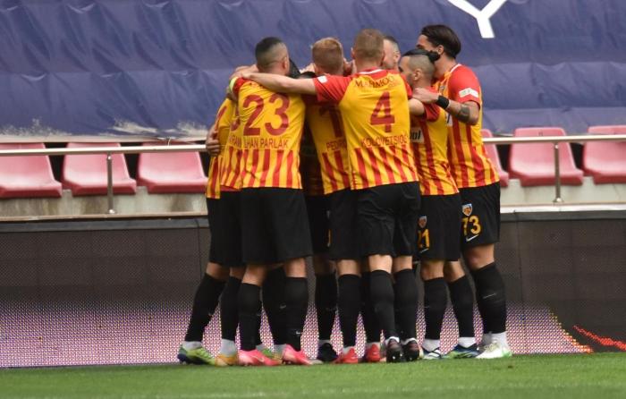 Kayserispor, Denizlispor'u devirdi! Tam 9 gol...