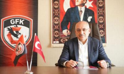Mehmet Büyükekşi: Ligi taraftarımızın gurur duyacağı bir noktada tamamlayacağız