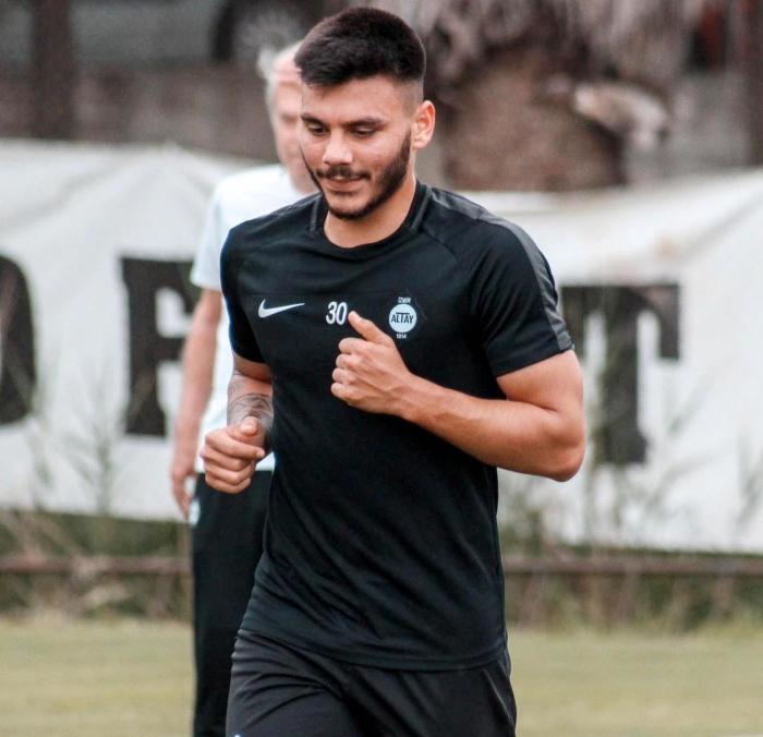 Mustafa Denizli, altyapıdan iki futbolcuya forma verecek